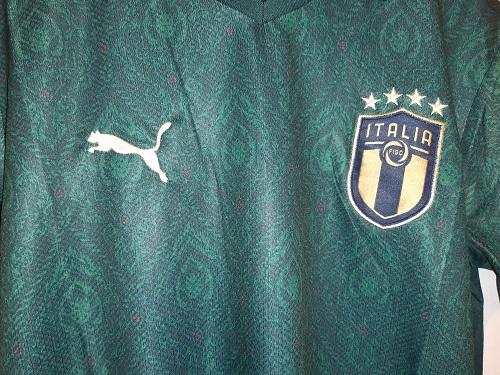 لباس سوم ایتالیا 2020